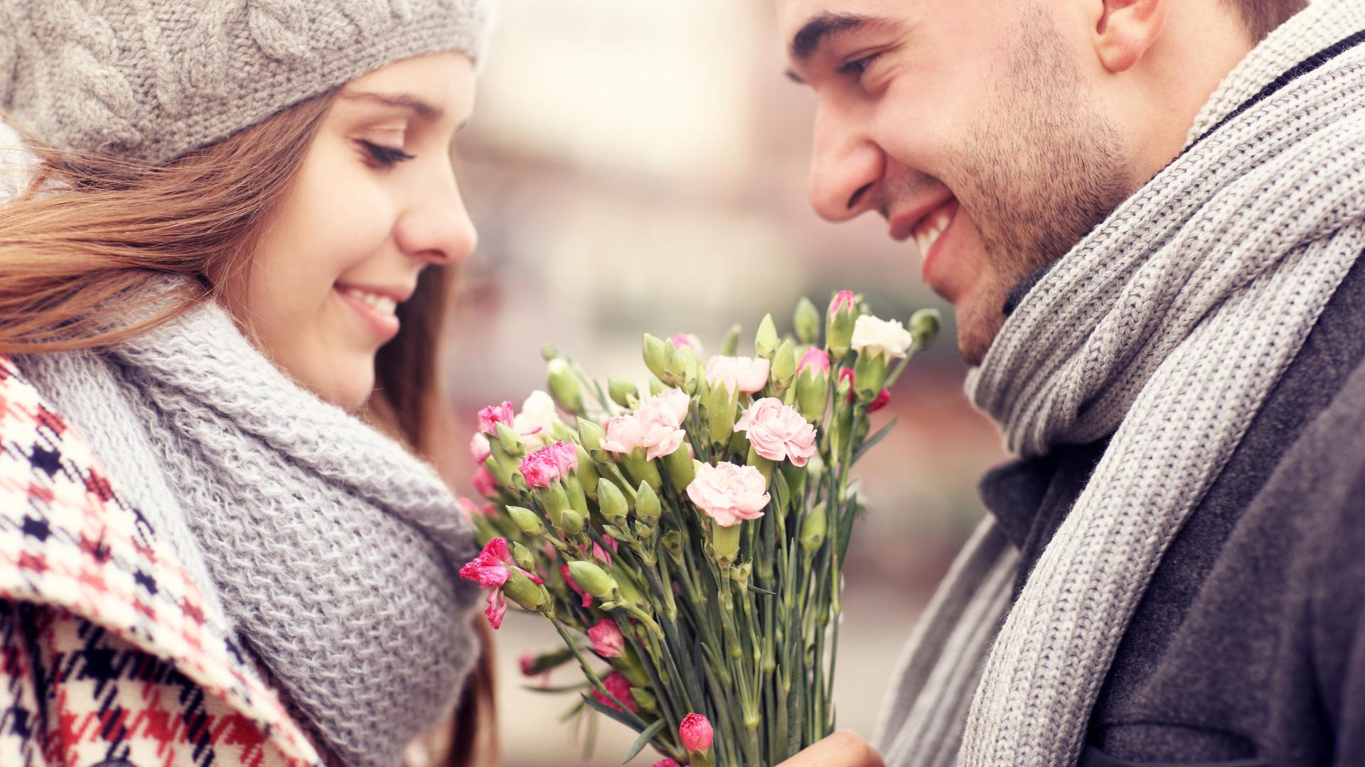 Чтобы вас окружали те люди которых любите вы поздравление часто